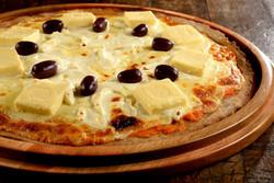 Pizza 3 queijos light na massa integral