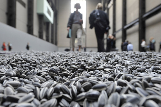 Ai weiwei's sunflower seeds and the current production condition of the Jingdezhen ceramic indus