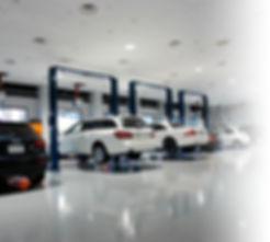 輸入車レンタカーを自社整備工場でメンテナンスします