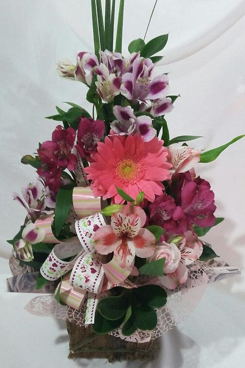 Arranjo com flores variadas