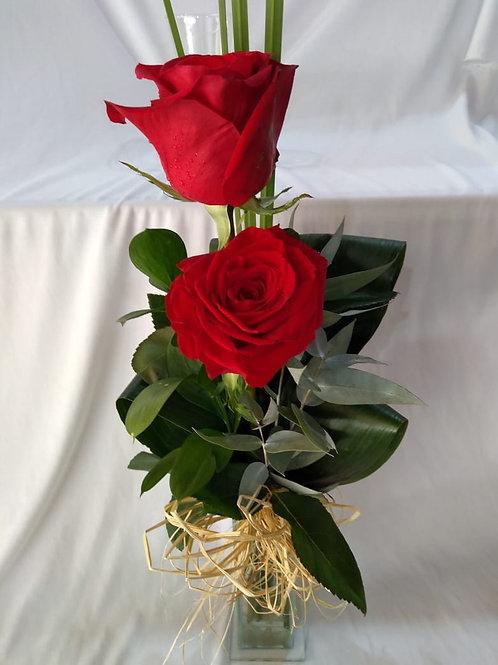 Arranjo com 2 rosas vermelhas importadas