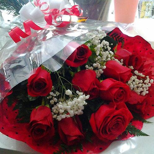 boque  com 12 rosas especiais vermelhas