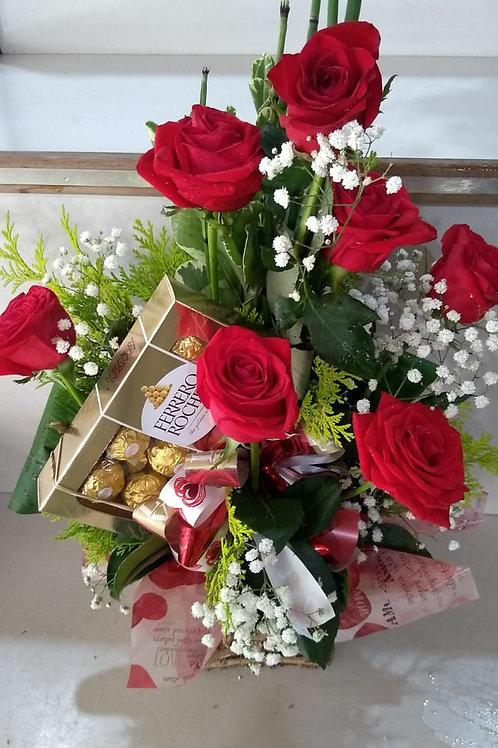 Arranjo com 6 rosas especiais.