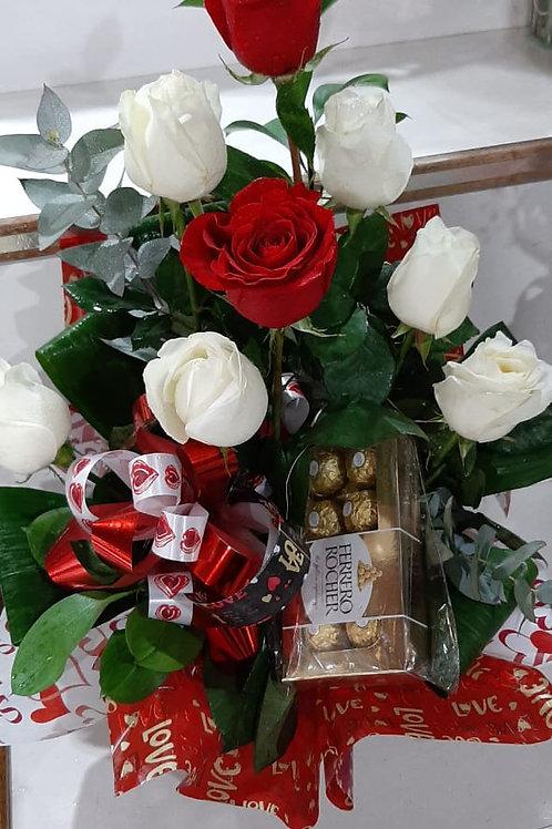 Buque de rosas vermelhas e brancas com Ferrero Rocher