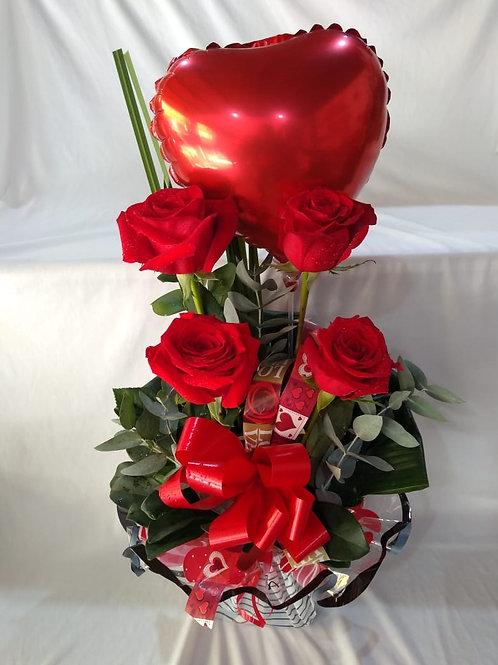 arranjo rosas com balão
