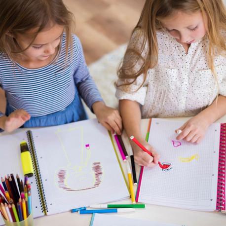 Crianças unem desenhos e coronavírus para homenagear trabalhadores