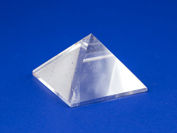 Pyramide Cristal de roche ref: Pyra15
