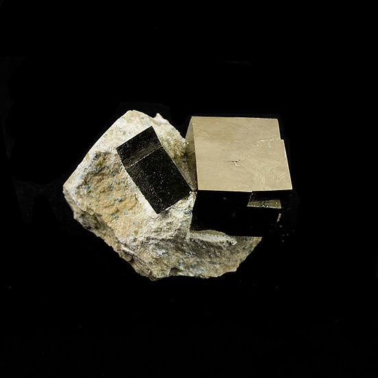 Pyrite groupe ref: Gpy6