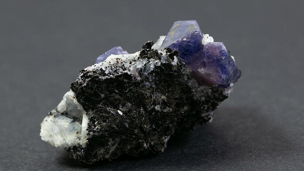 Saphir sur Biotite ref: S4