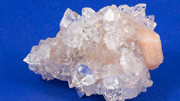 Apophyllite groupe ref: APO3