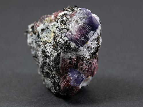 Saphir sur Biotite ref: S6