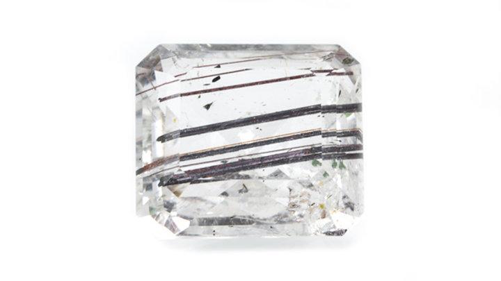 Quartz rutile pierre taillée ref: Prt1