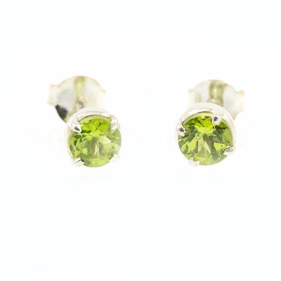 Boucles d'oreilles puces 7mm Péridot