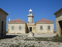 798px-Punta_Nati_Lighthouse_(37377399362