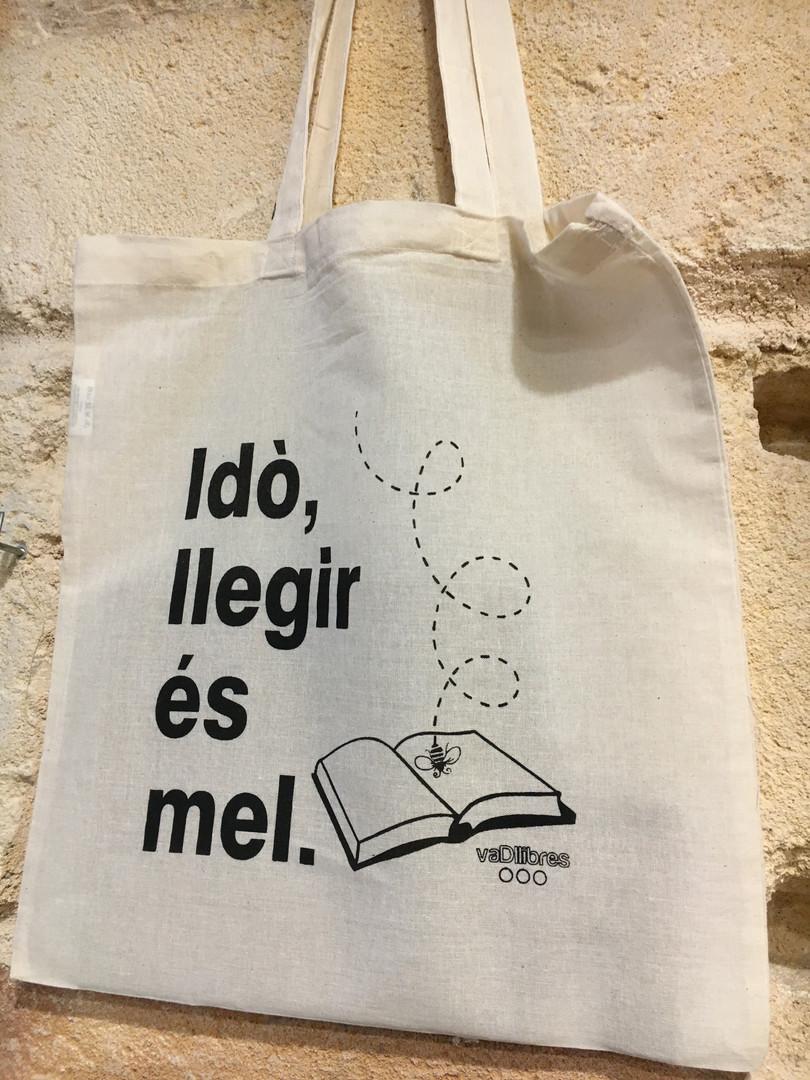 Idò, llegir és mel.