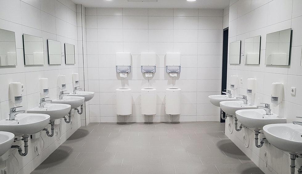 Waschraum mit Waschraumspendern