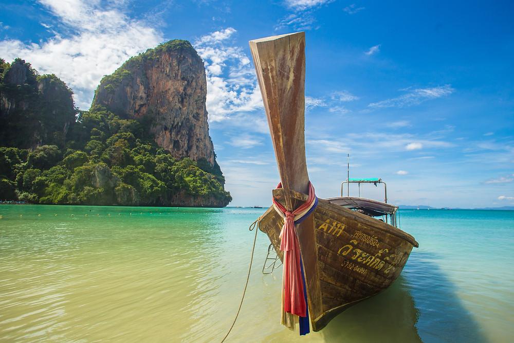 barco praia tailandia