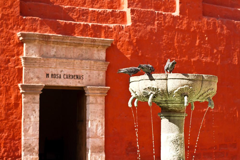 meninas igreja plaza de armas cusco