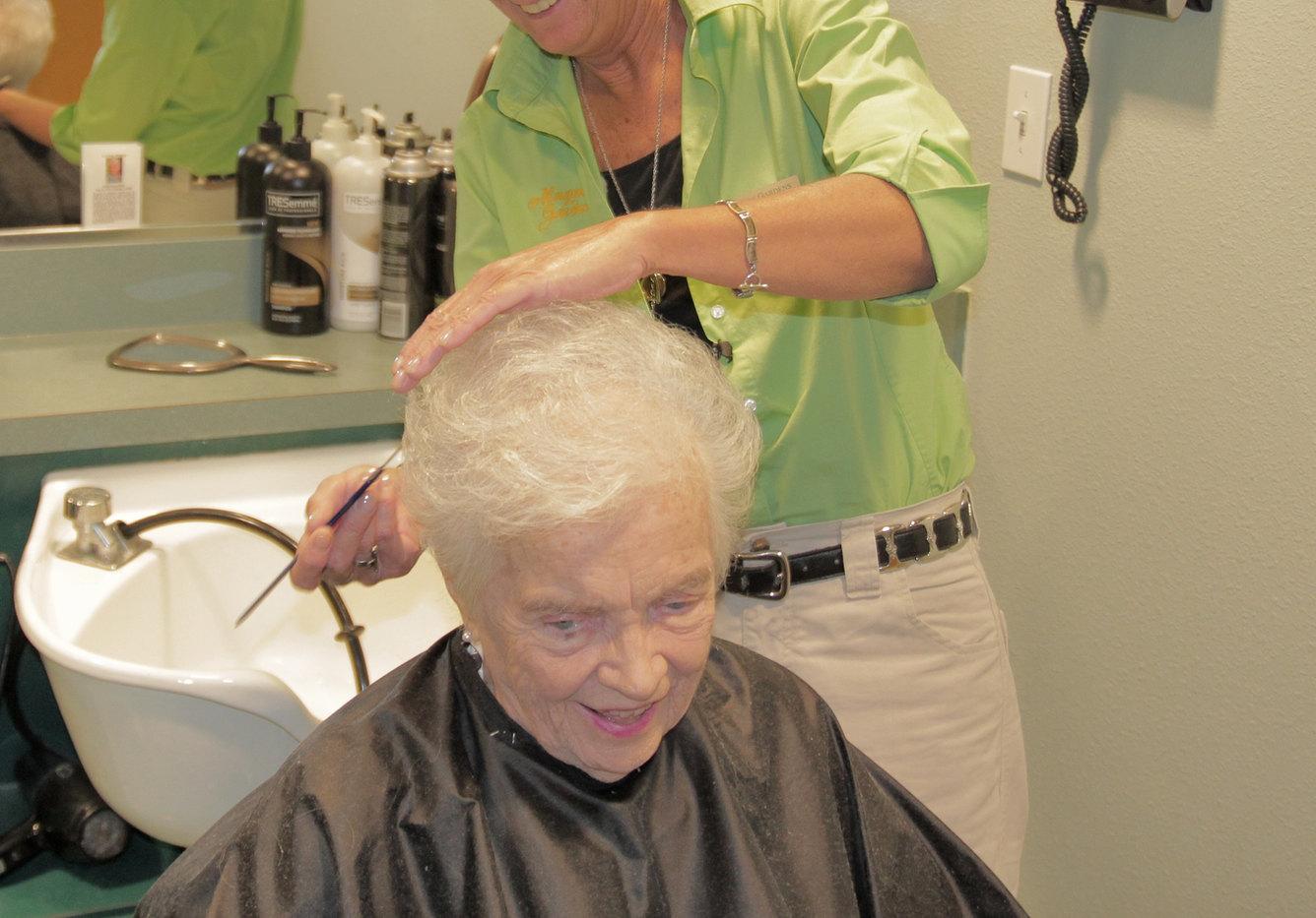 Beauty-Shop1-3225x2253.jpg