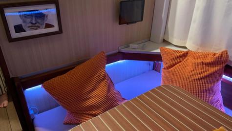 HAEVN | Leander Salon LED & iPad