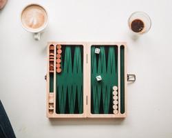 Jeu de société et café