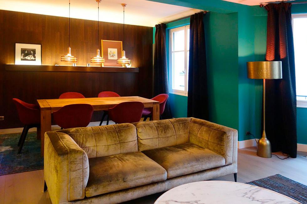 Яркая квартира в Париже 01.jpg