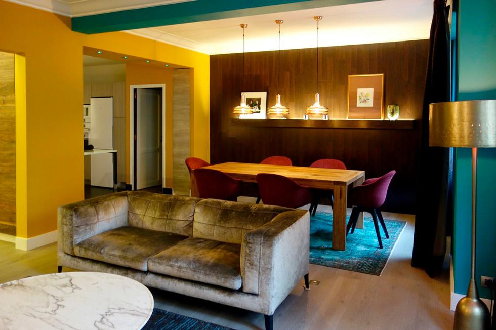 Яркая квартира в Париже 02.jpg