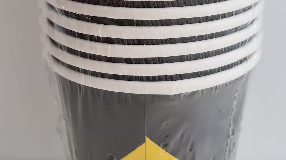 Copo de papel geometric preto com dourado
