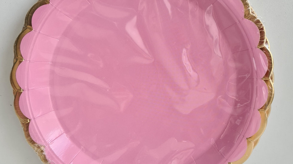 Prato de papel rosa com dourado