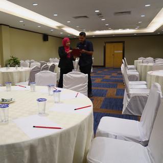 MITC MEETING ROOM - ROUND TABLE STYLE