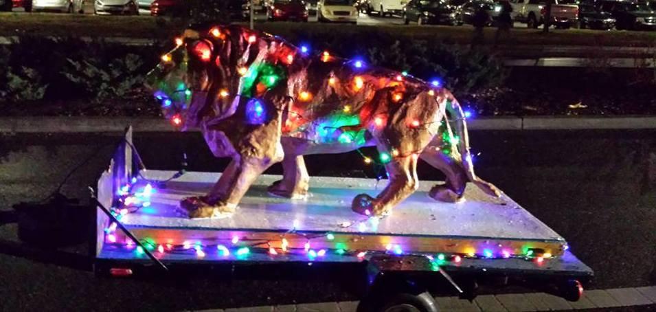 christmas_lion_v2.jpg
