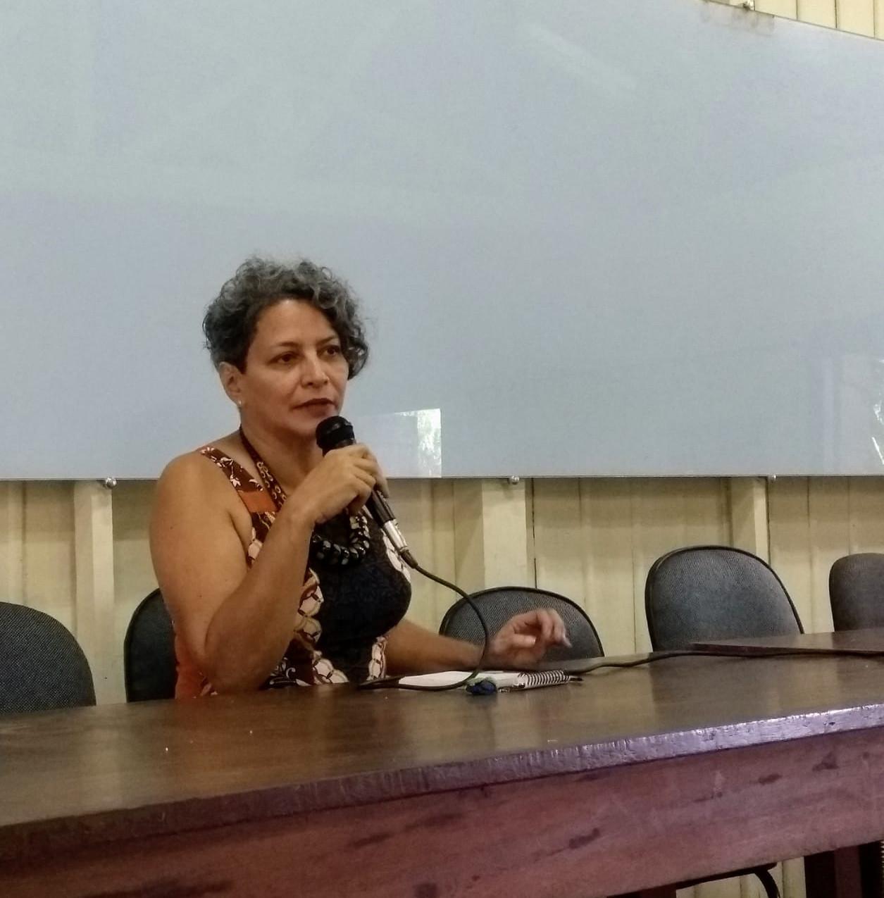Professora Denise Cardoso, antropóloga e especialista em comunidades indígenas e quilombolas, do Instituto de Filosofia e Ciências Humanas (IFCH) da UFPA