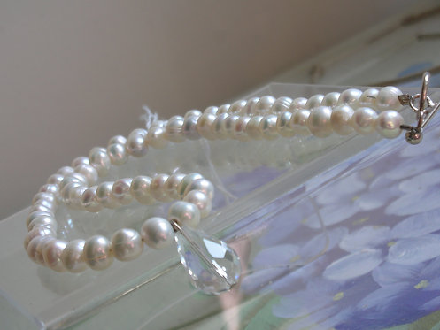 Freshwater pearl crystal pendant necklace