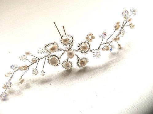 Flower spriggy hairvine hairpin