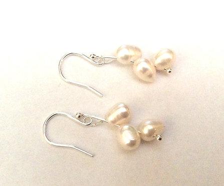 Freshwater pearl silver earrings