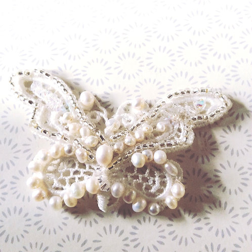 Butterfly lace embroidered comb