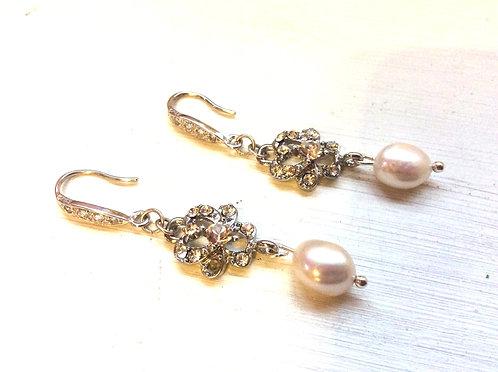 Freshwater pearl rhinestone earrings