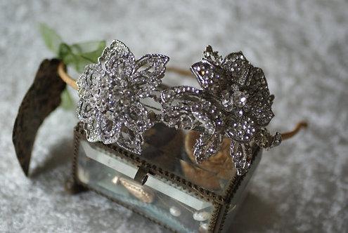 Las Vegas side tiara