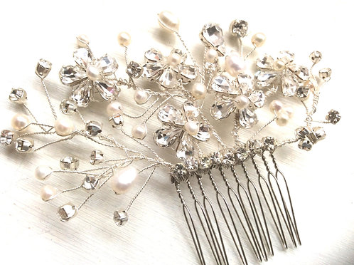 Crystal flowers comb