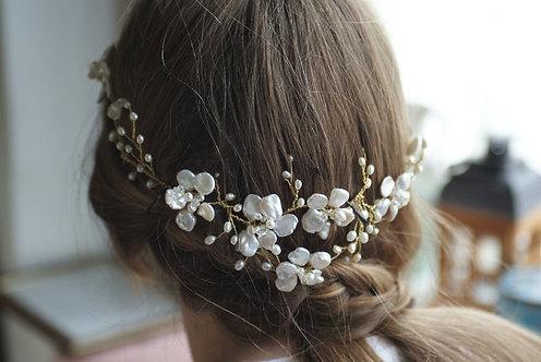 Golden Blossom Hair vine