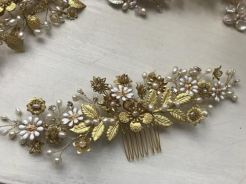 Gold flower comb