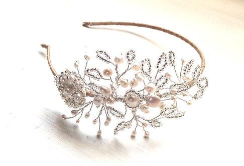 Alice side tiara