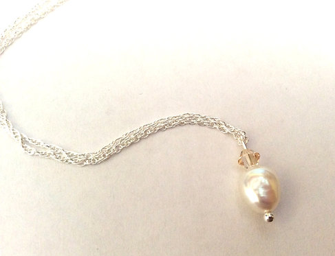 Pearl gold crystal necklace