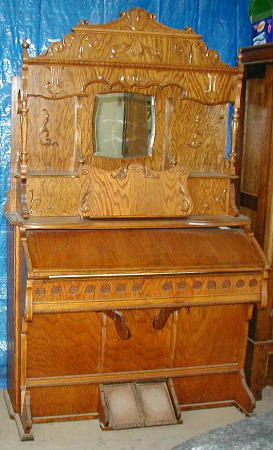 896 Antique Pump Organ w/Oak Finish