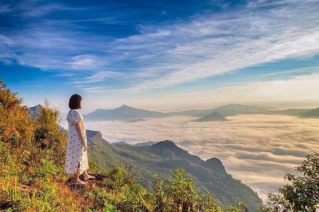 women-enjoy-fresh-air-embrace-naturein-morning-phu-chi-dao-thailand 3-resize.jpg
