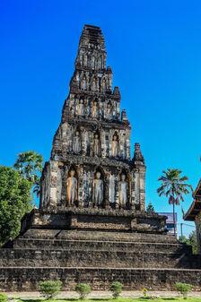 wat-chamthewi-lamphun-thailand-1-small.jpg