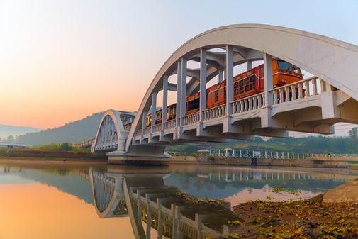 white-railway-bridge-thachompoo.jpg