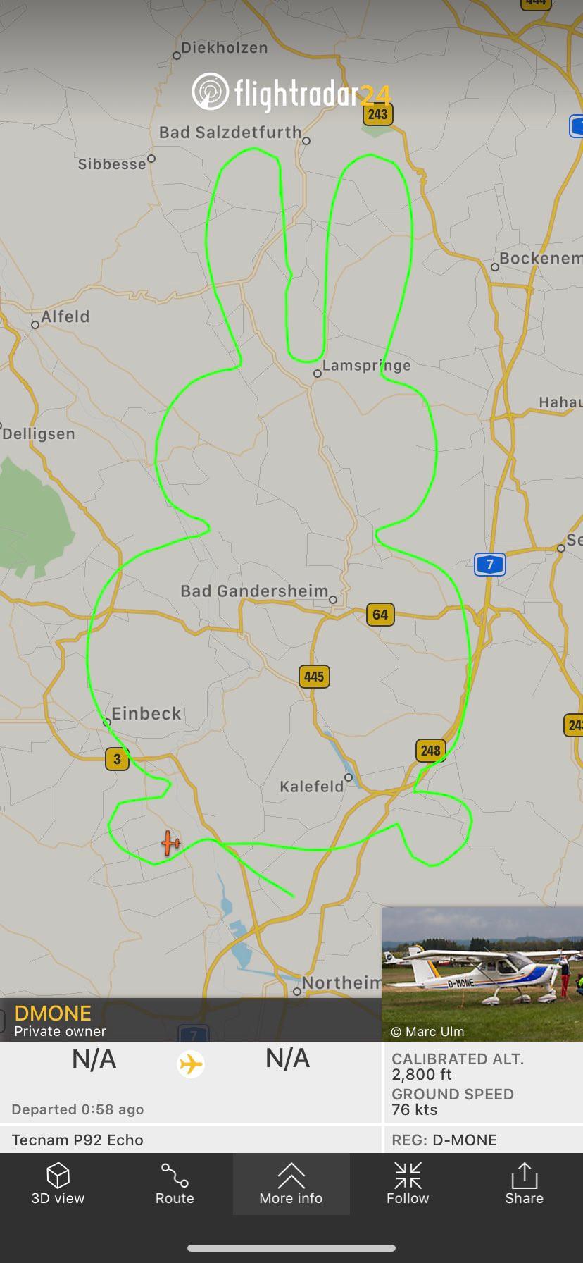 นักบินเยอรมันโชว์ภาพเส้นทางบินรูปกระต่ายฉลองเทศกาลอีสเตอร์