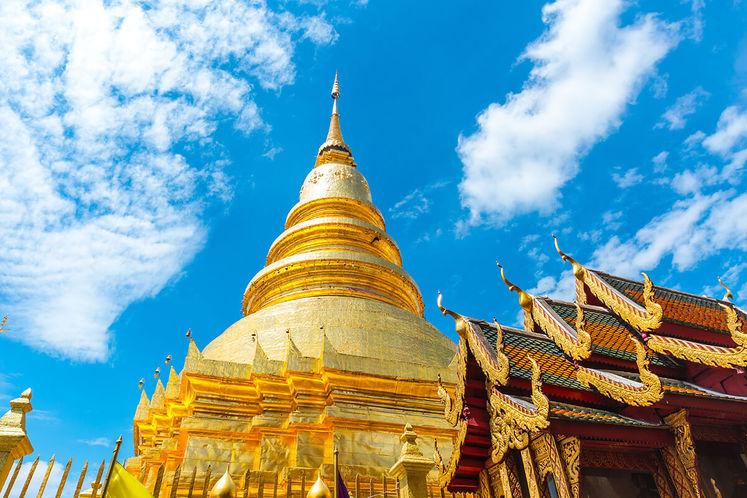 wat-phra-that-hariphunchai-lamphun-thailand-small.jpg