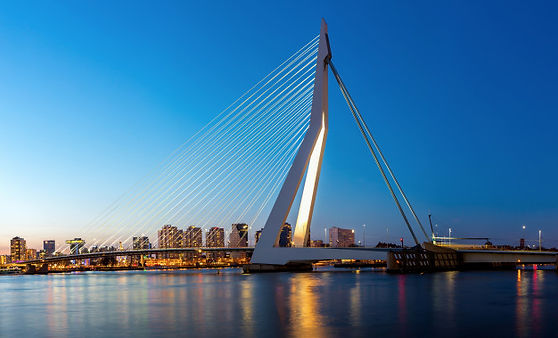 erasmus-bridge-rotterdam-panorama_63253-